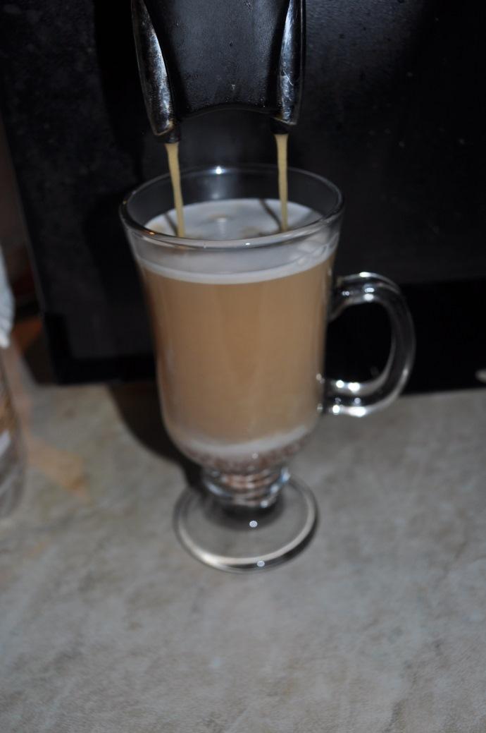 добавляем кофе эспрессо