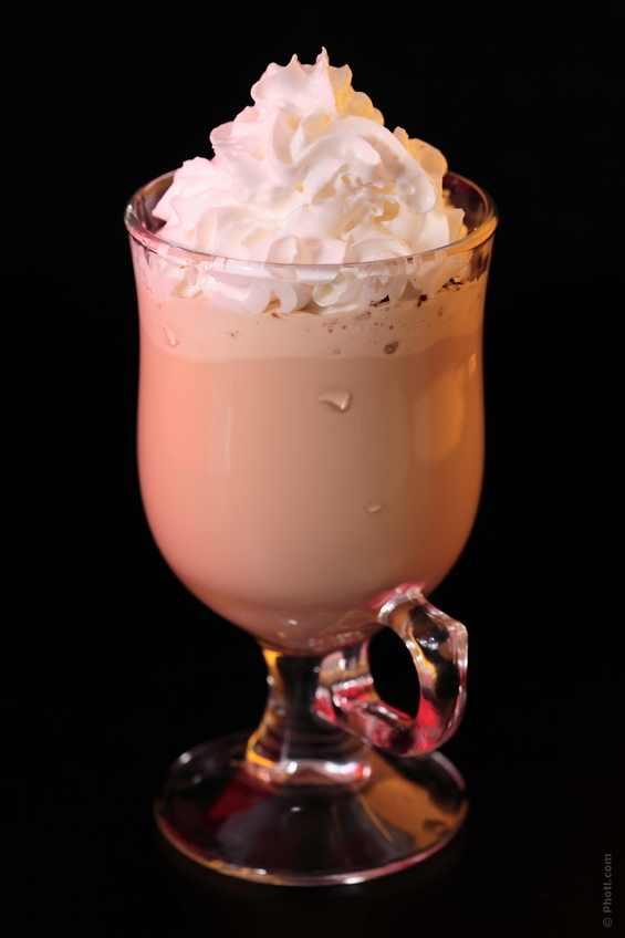 кофе с амаретто и мороженым