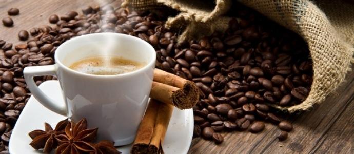 Действие на человека кофе: повышает или понижает давление?
