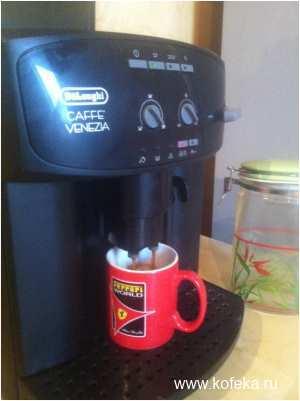 приготовление кофе в Delonghi ESAM 2200