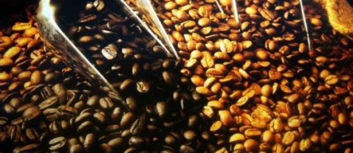 Варим кофе с ирисками и клюквой